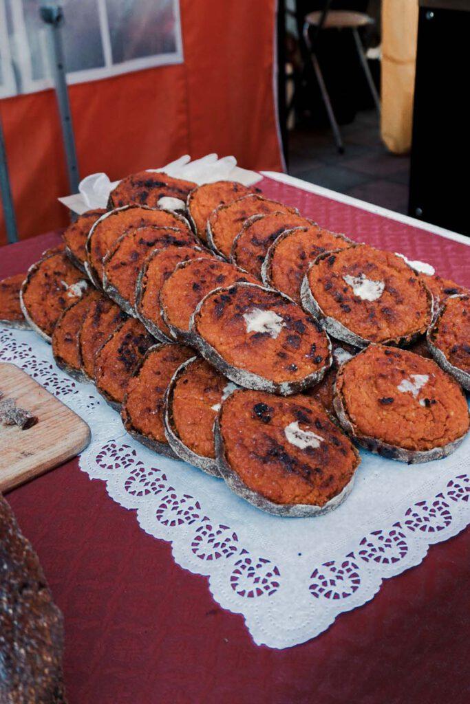 Sklandrausis at the Kalnciema street market