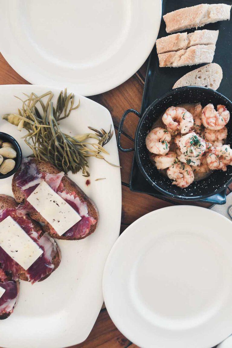 Lunch at Cala Mesquida - La Vie En Marine