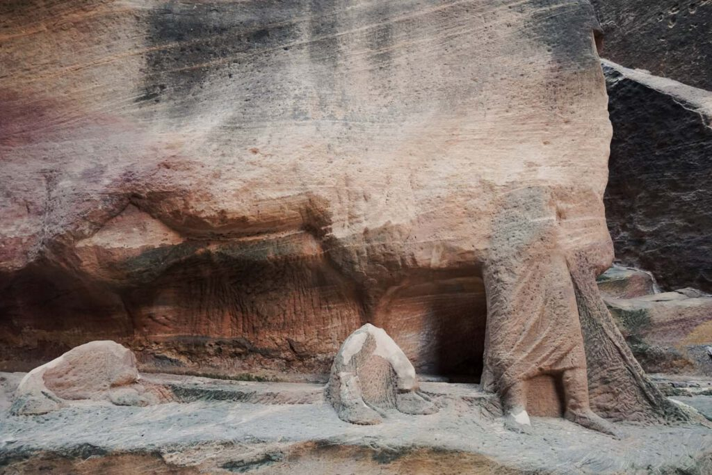 stone carvings in Petra