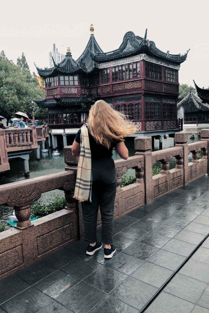 Girl standing in front of Yu Yuan Tea House