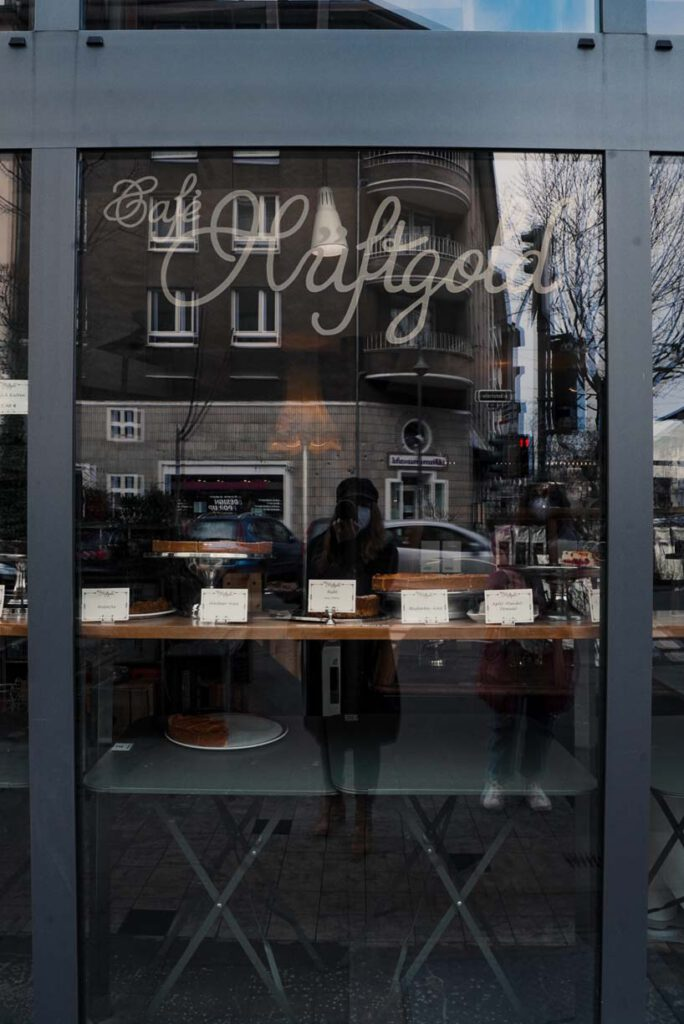 Café Hüftgold Window
