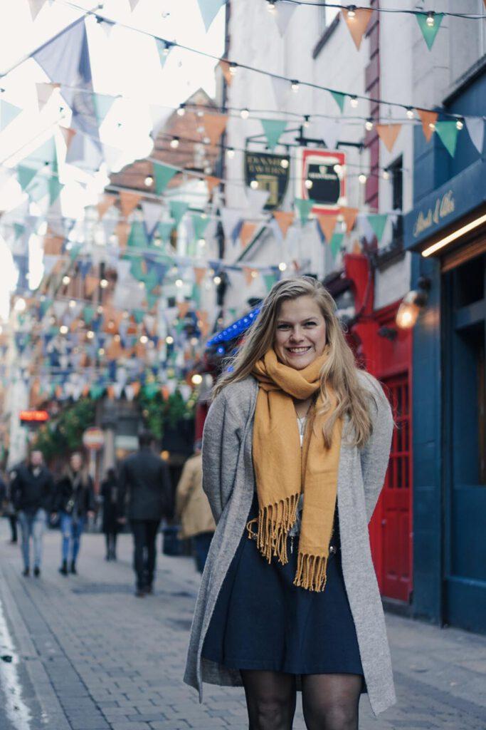 Girl in Dame Lane, Dublin