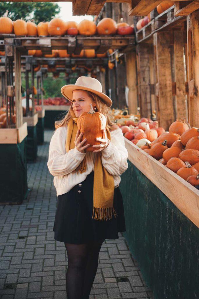 Girl with Pumpkins at Bauerngarten Benninghoven
