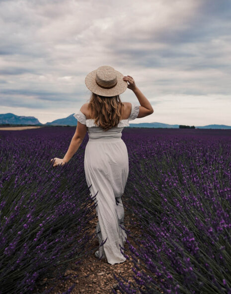 In lavender season, the Provence is the most spectacular just as the whole of the Côte d'Azur. Here's to this 4 day Provence itinerary.